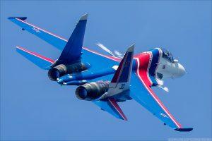 Лётчики пилотажной группы «Русские витязи» продолжают осваивать ...